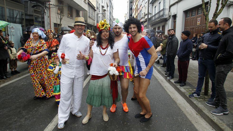 Los cubanos de la comparsa de Carude