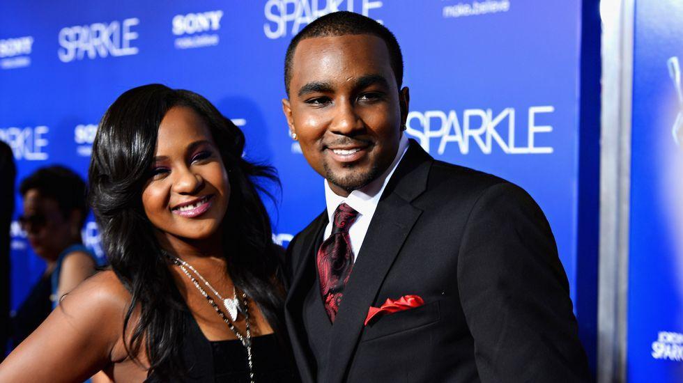.Imagen de archivo de la hija de Whitney Houston y su novio