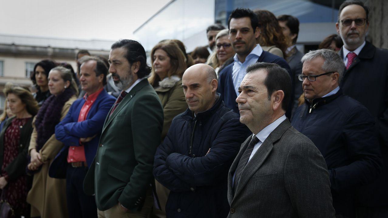 Jueces y fiscales protagonizaron paros de una hora en varios puntos de Galicia para reivindicar mejoras laborales