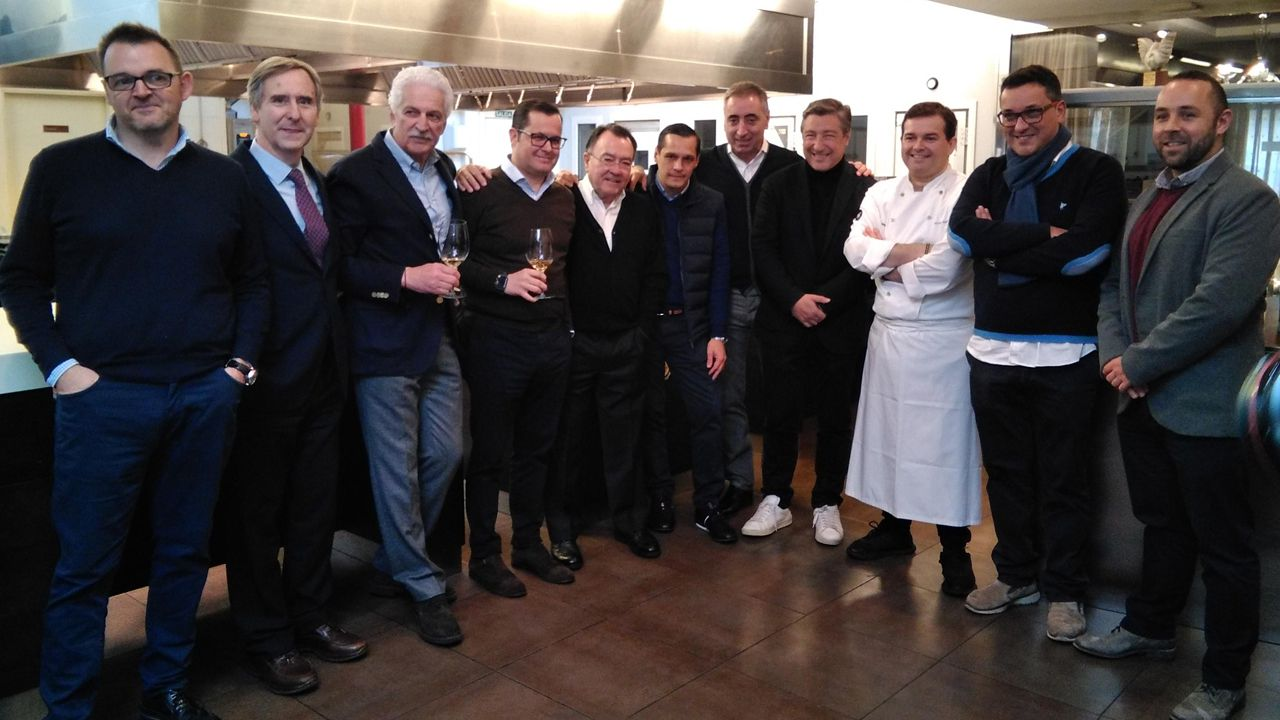 Cocineros de Restaurantes de Fomento de la Cocina Asturiana con Joan Roca en Casa Gerardo