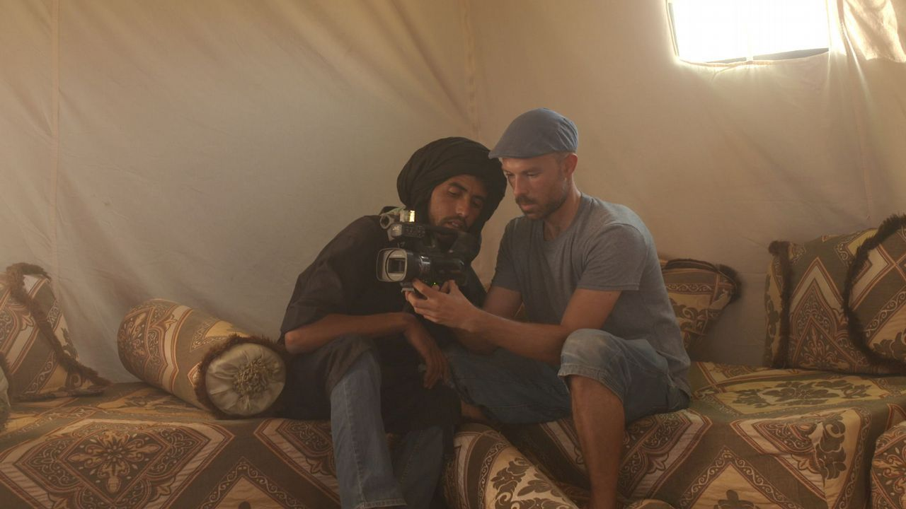 Domínguez Serén chegou por primeira vez aos campamentos saharauís para impartir clases de cinema como profesor voluntario