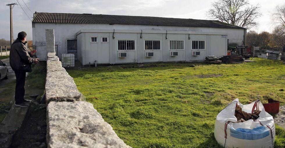 La base de los trabajadores está en la avenida de Baltar, en el concello de Xinzo.