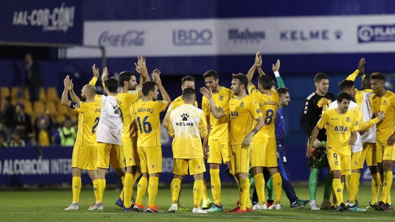 Yoel Barcenas Real Oviedo Reus Carlos Tartiere.Jeff Xavier