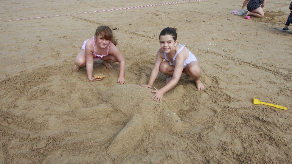 Playa de Retorta, en Boiro.Playa de Abrela, en O Vicedo