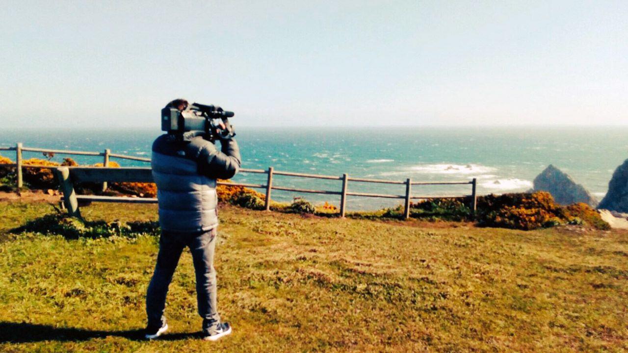 Agreden en la Ciutadella a un cámara de Telemadrid al confundirlo con TV3.Un cámara de TPA