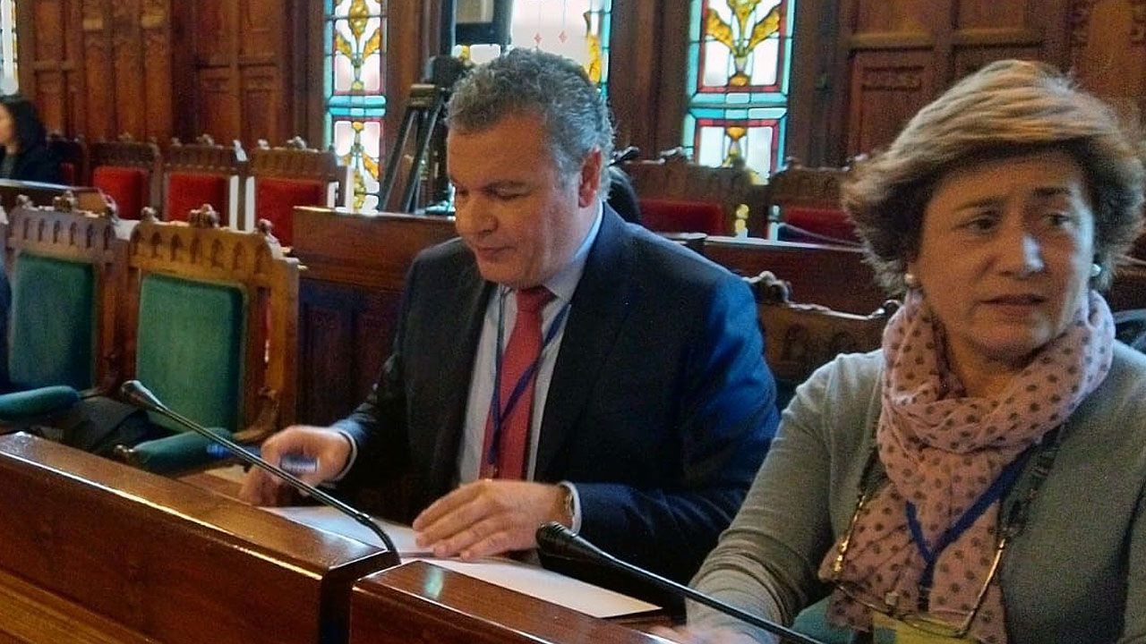Jesús Iglesias, candidato de Izquierda Unida a la presidencia del Principado..Belarmino Feito en la comisión de los presupuestos