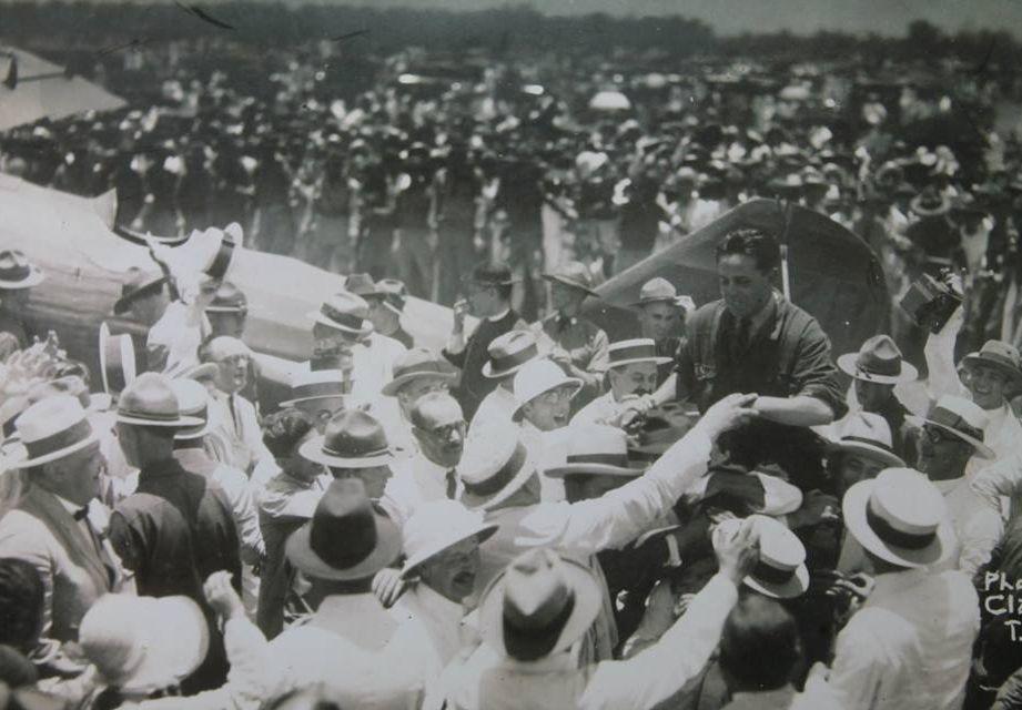 Joaquín Loriga fue recibido en Manila por una multitud.