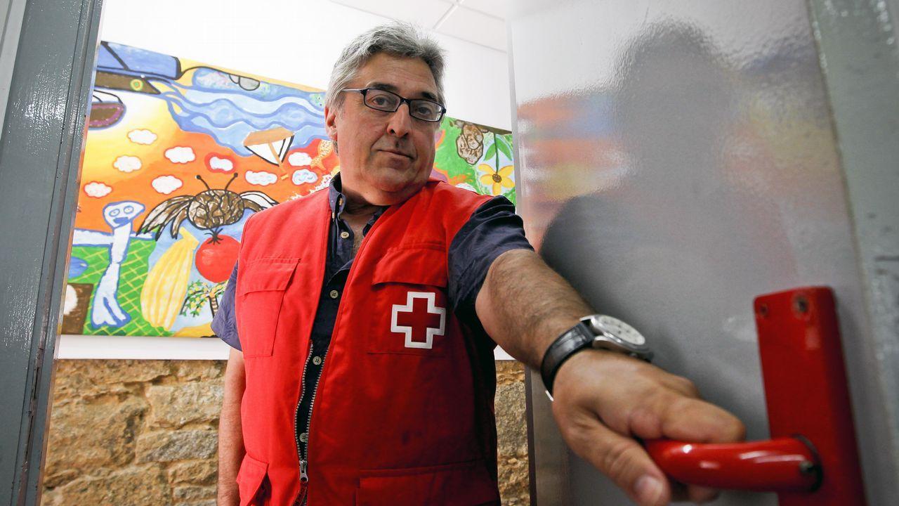 El «Cantabria» zarpa al frente de la UE para luchar «contra la peor mafia».Familias iraquíes huyen de Mosul hacia los campos de refugiados debido a la lucha entre las fuerzas de Irak y Estado Islámico