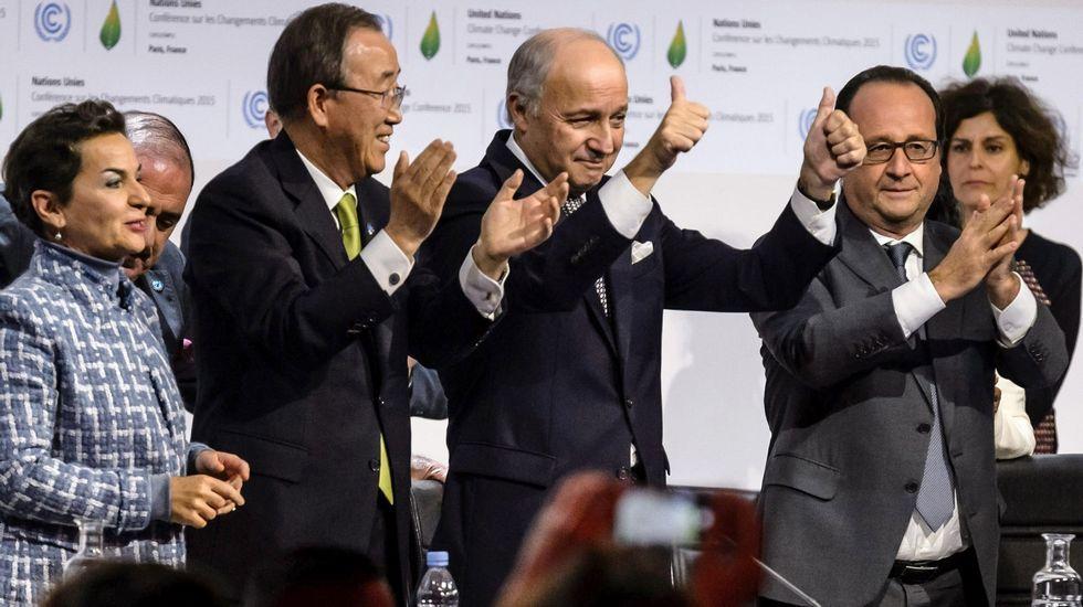 Adiós bombillas halógenas, hola LED.Christiana Figueres junto a Ban Ki-moon, Laurent Fabius y François Hollande