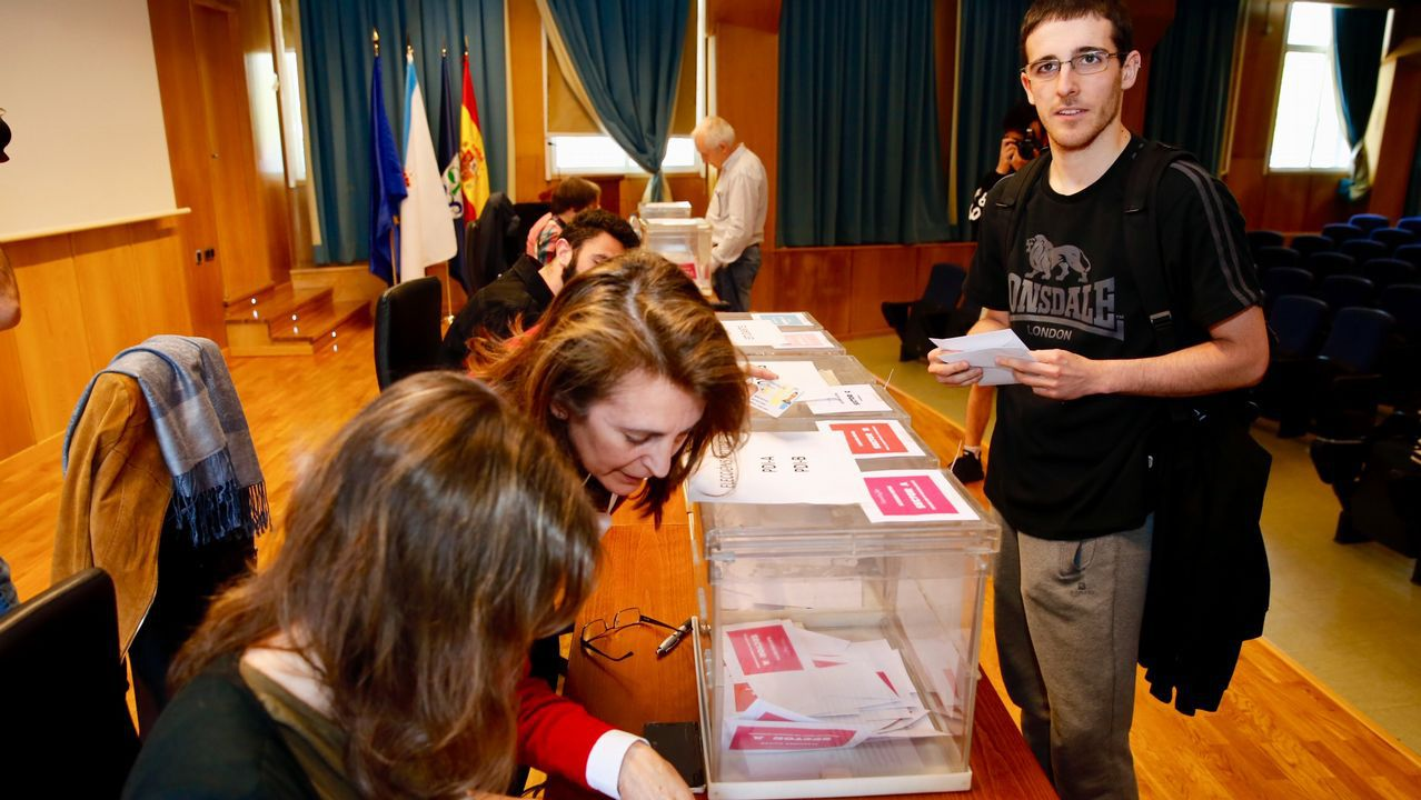 Llamada a la participación en las elecciones de la Universidad de Vigo.