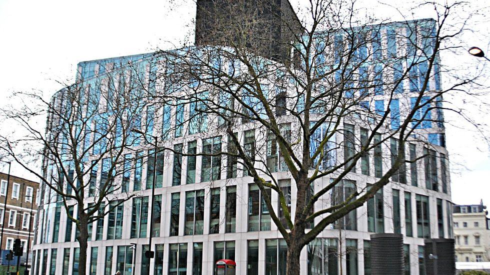 .Otro edificio en el barrio londinense de St James, la sede de la multinacional minera Rio Tinto por 335 millones de euros, con 11.000 metros cuadrados de superficie alquilable.