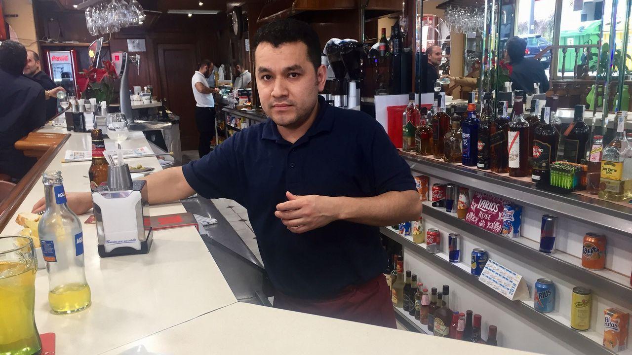 Juan Gutiérrez, de la cafetería Iris en la calle Coruña, próxima a los Juzgados de Vigo