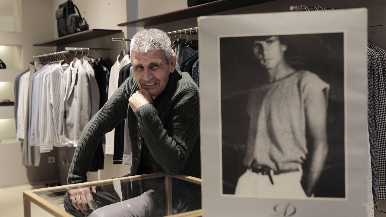 Fernardo Pérez: «Correr con perros me maravilló».Conde Corbal posa en la tienda de Adolfo Domínguez en Ourense, donde su imagen dejó huella