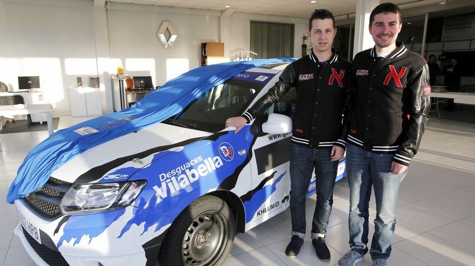 Javier e Iván Bouza compiten en la Copa Dacia Sandero