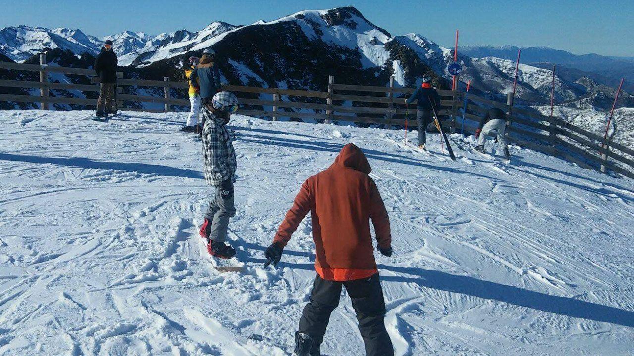 .Usuarios de una estación de esquí asturiana