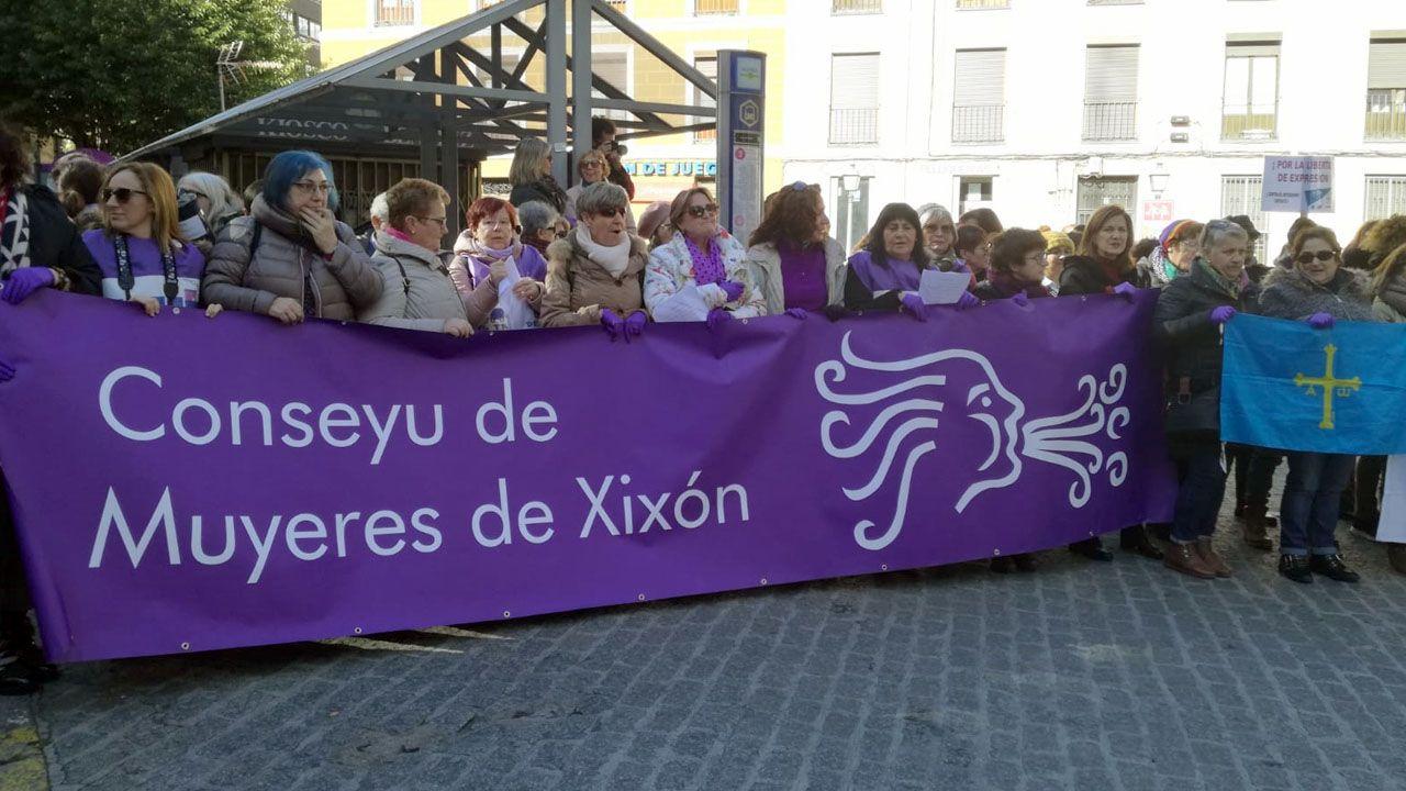 Concentración de apoyo a Blanca Cañedo, a las puertas de los juzgados de Valladolid