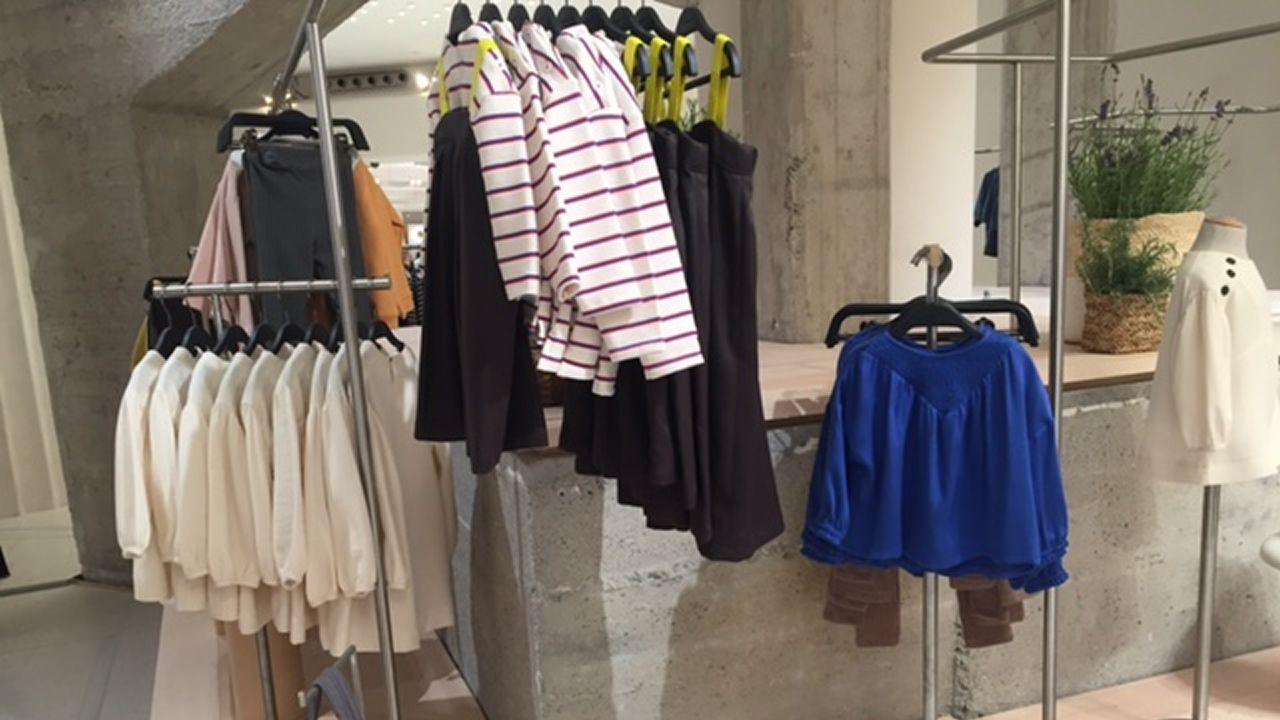 .Prendas de la colección exclusiva para la reapertura de la tienda de Milán