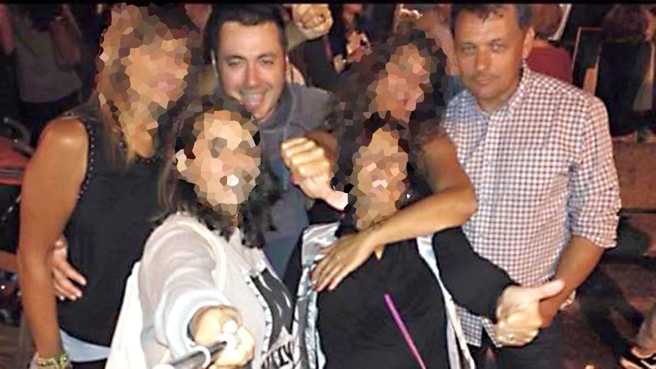 La Guardia Civil busca pruebas en la casa llanisca del presunto instigador de la muerte de Ardines.Pedro L.N.A. y Javier Ardines posan en una imagen de grupo