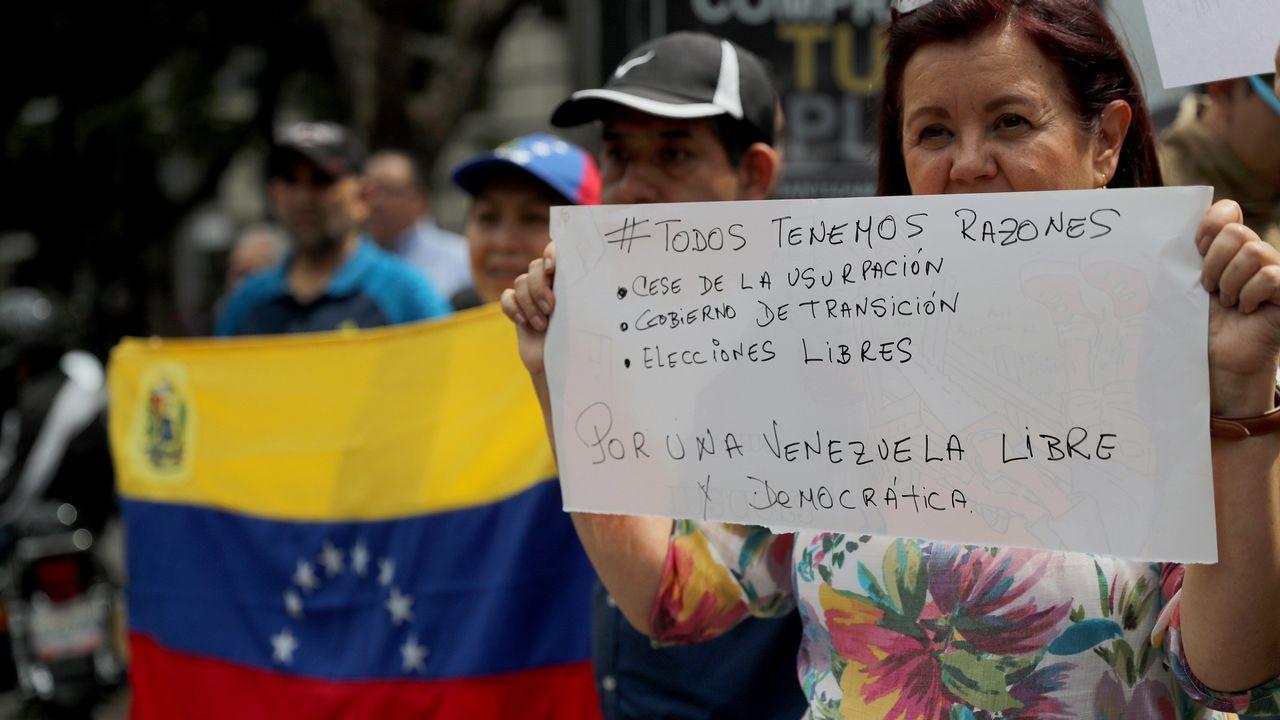 Los «#10yearschallenge» de Ourense.Los hashtags #TúTambién y #TodosTenemosRazones fueron los usados en la marcha de ayer