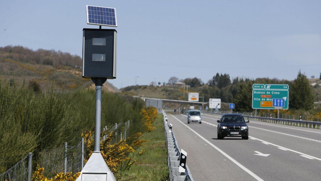En este laboratorio te pillan seguro.Uno de los nuevos controles fijos instalados por la DGT en Galicia. Hay 11 bases como esta, pero solo 2 radares