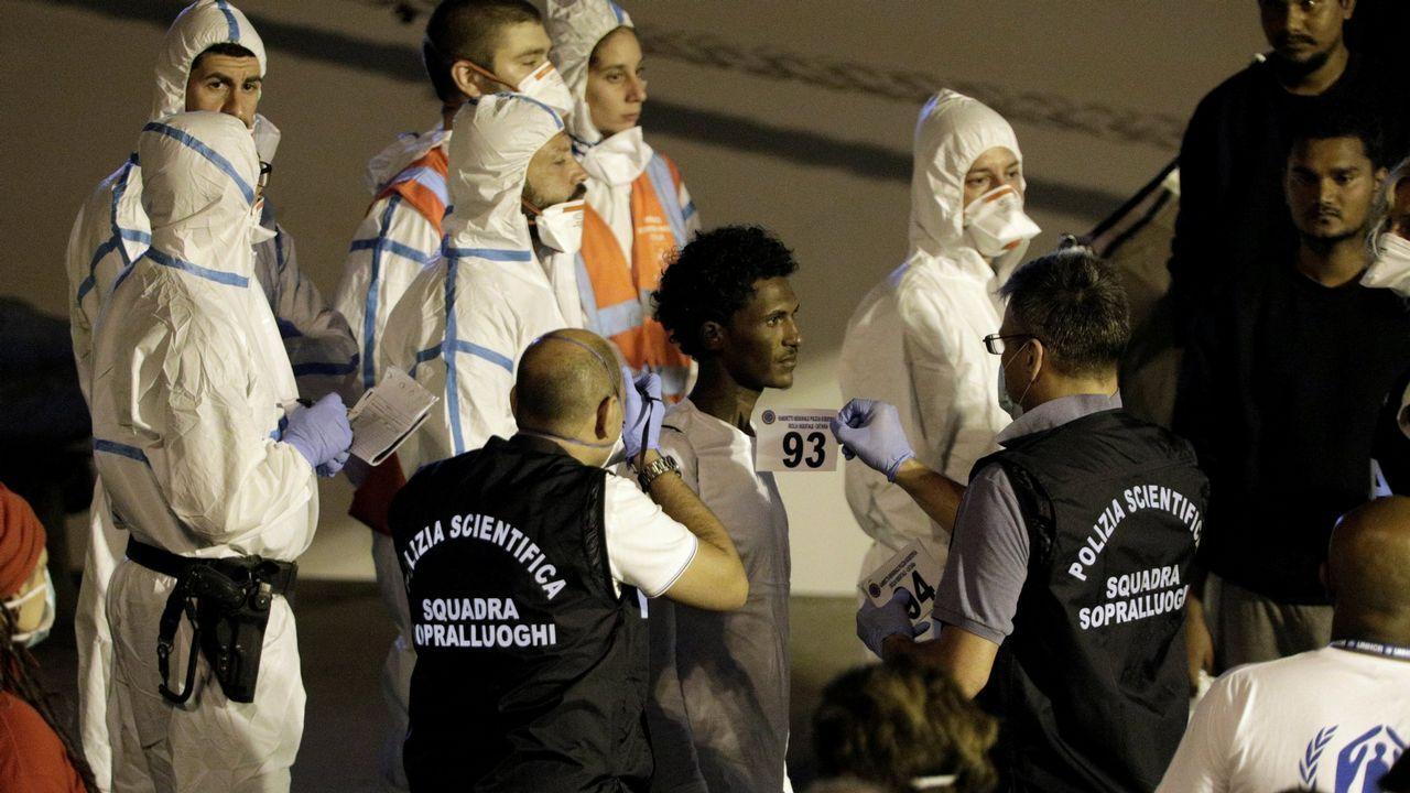 La Comisión Europea aprueba el fin del cambio de hora.Bruselas obliga a desembarcar cuerpos y aletas juntos
