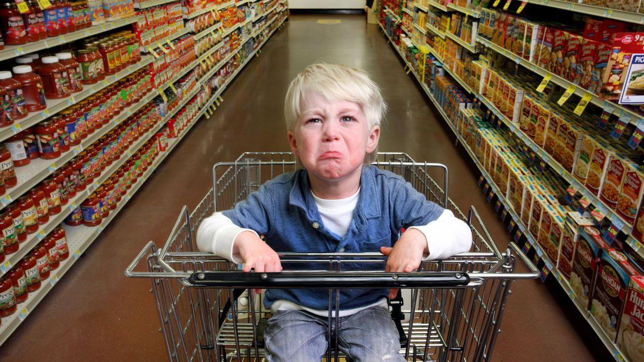 Cuando tu hijo tenga una rabieta, ten paciencia y ayúdale a verbalizar lo que siente