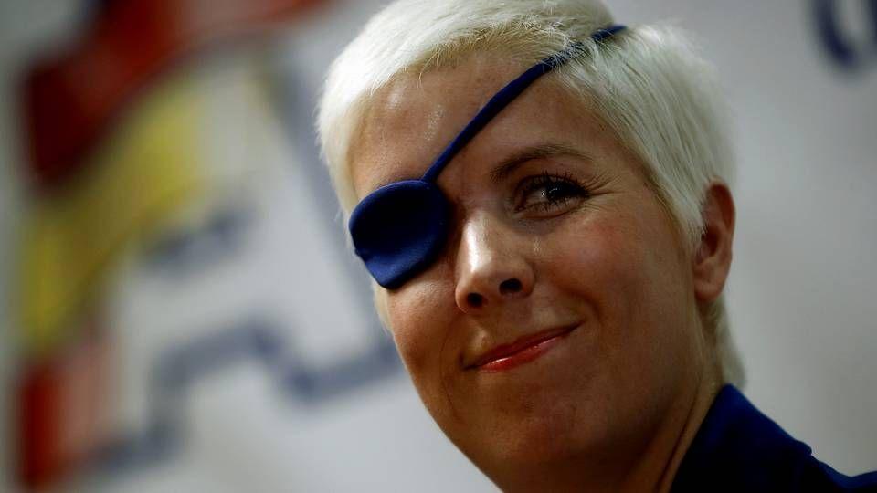 Muere la expiloto de Fórmula 1, María de Villota.Camps y Barberá, en un Ferrari en el GP de Valencia del 2009