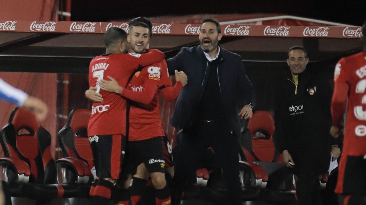 La Asociación de la Prensareivindicasus derechos en Oviedo.Jimmy controla un balón en el Real Oviedo-UD Las Palmas