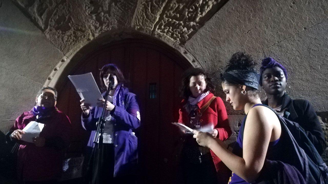 .Un momento de la lectura de los manifiestos en el Palacio de Revillagigedo