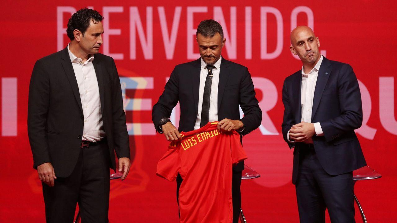 Folch Christian Fernandez Rocha Real Oviedo Huesca.Jonathan Pereira celebra su gol frente al Levante