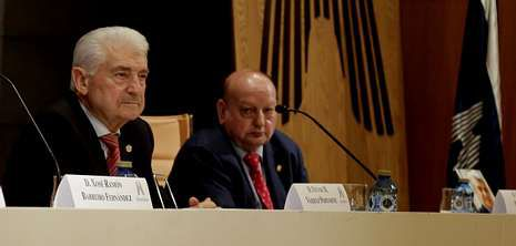 Todos los concursantes de «Supervivientes».El ex conselleiro Vázquez Portomeñe presentó en Hércules Ediciones su libro «Testigo y parte de la historia reciente de Galicia» .