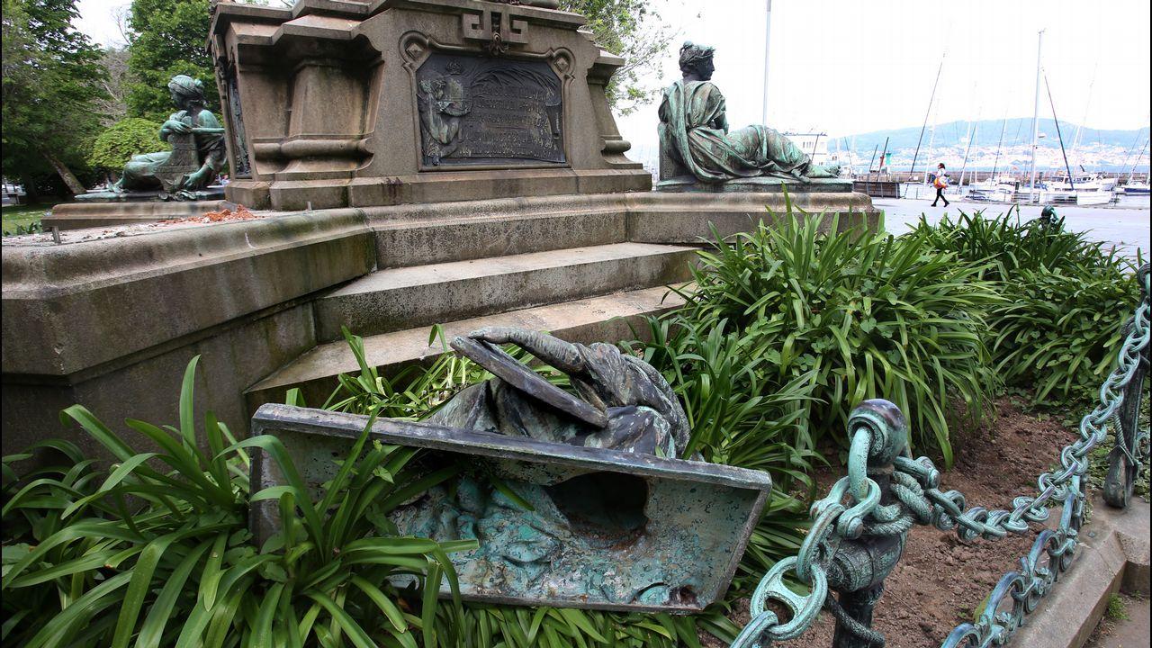 Vandalismo en la estatua de Elduayen