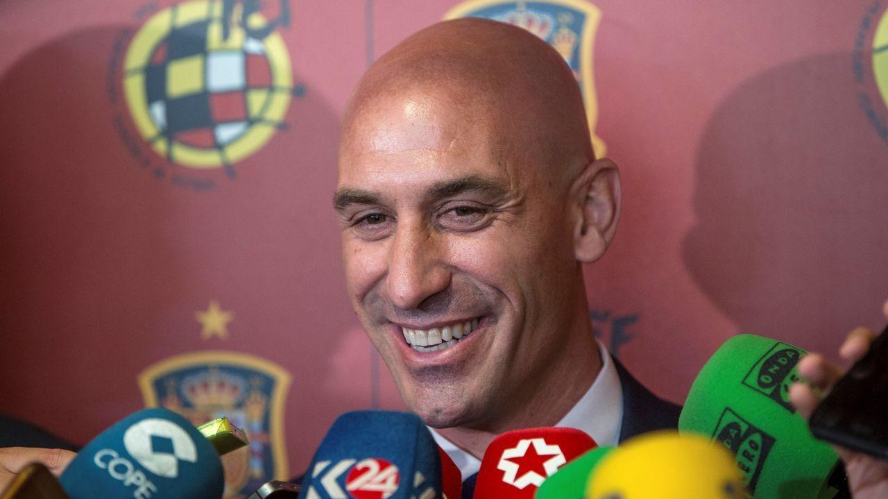 «Tenemos un buen equipo, pero necesitamos refuerzos en todas las posiciones».Varios jugadores del Extremadura UD durante un partido del año pasado