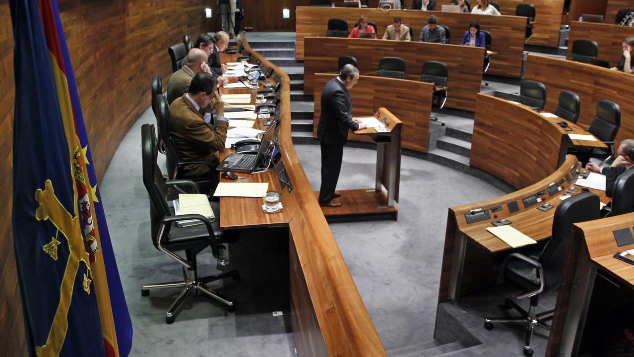 Irene Montero en el Congreso.El ministro de Fomento, Íñigo de la Serna