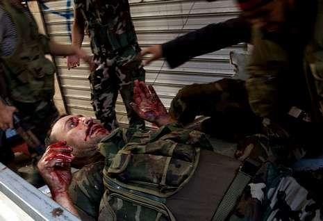 Los opositores mantuvieron ayer encarnizados enfrentamientos con los soldados en Alepo.