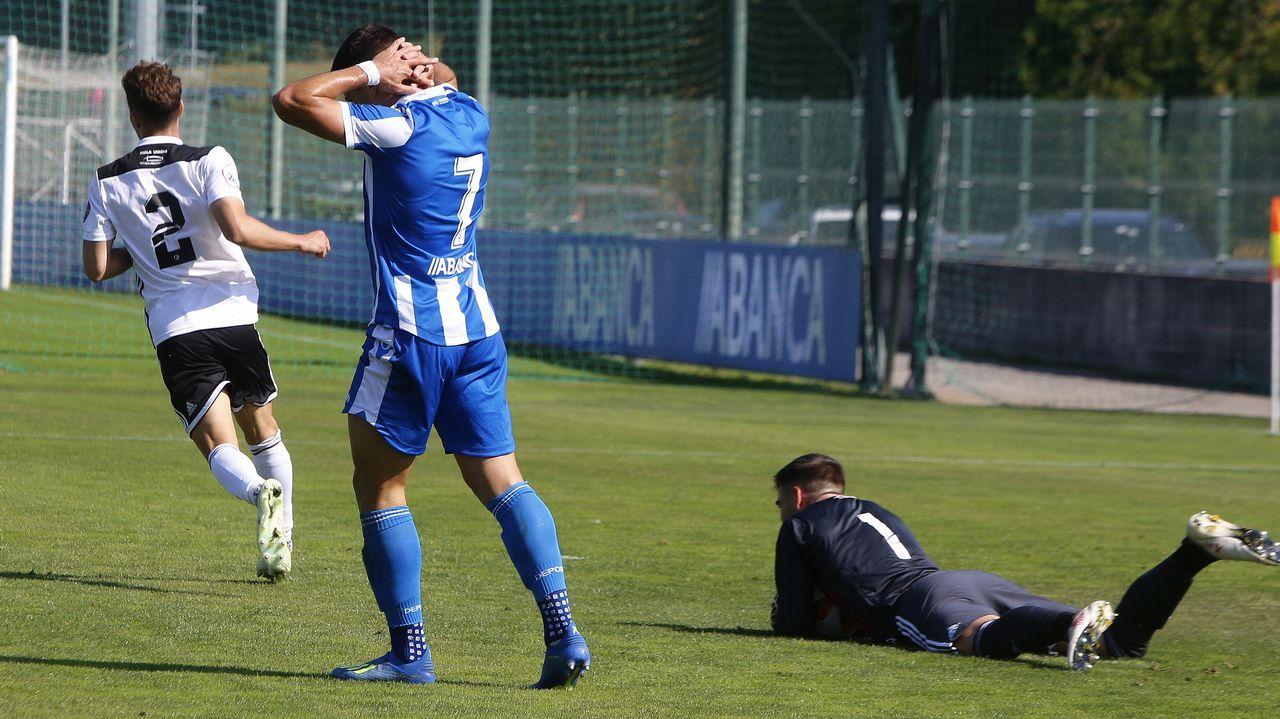 Gol Vetusta Tudelano.Javi Hernández celebra su gol al Sporting B