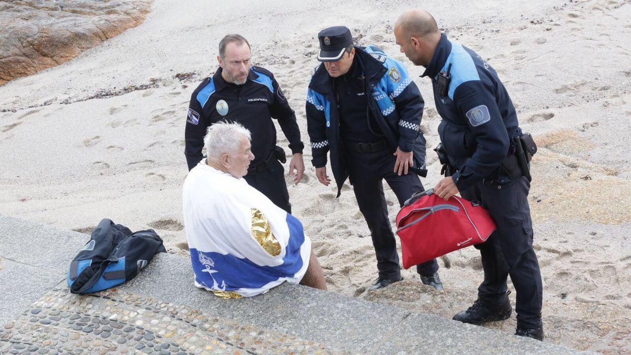 Rescate en la playa de Riazor