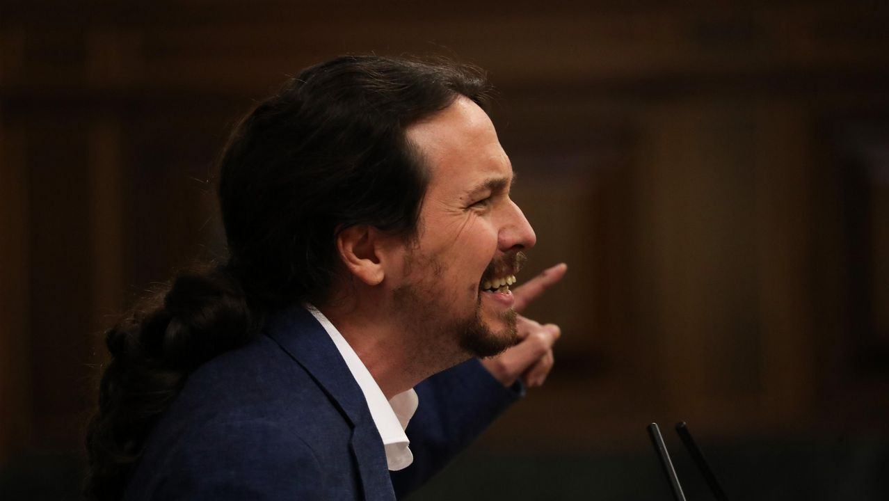 «Collín medo, sentín que se movía todo, estremeceume a cama».El lider de Podemos, Pablo Iglesias, en una foto de la moción de censura contra Rajoy
