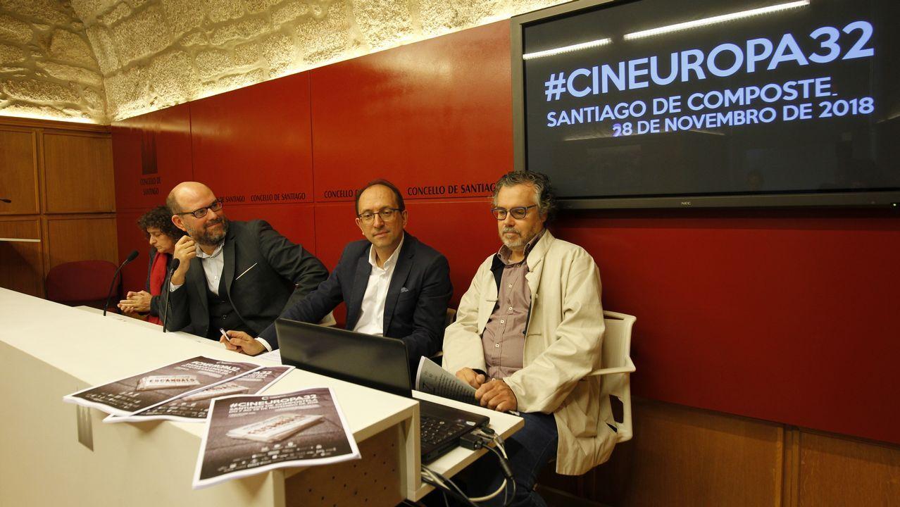 El realizador uruguayo Álvaro Brechner da indicaciones al actor español Antonio de la Torre, que encarna a un joven Pepe Mujica en el filme «La noche de 12 años».