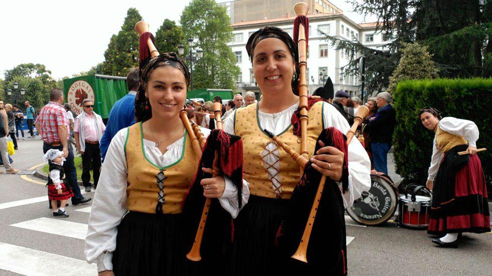 Mujeres con su gaita