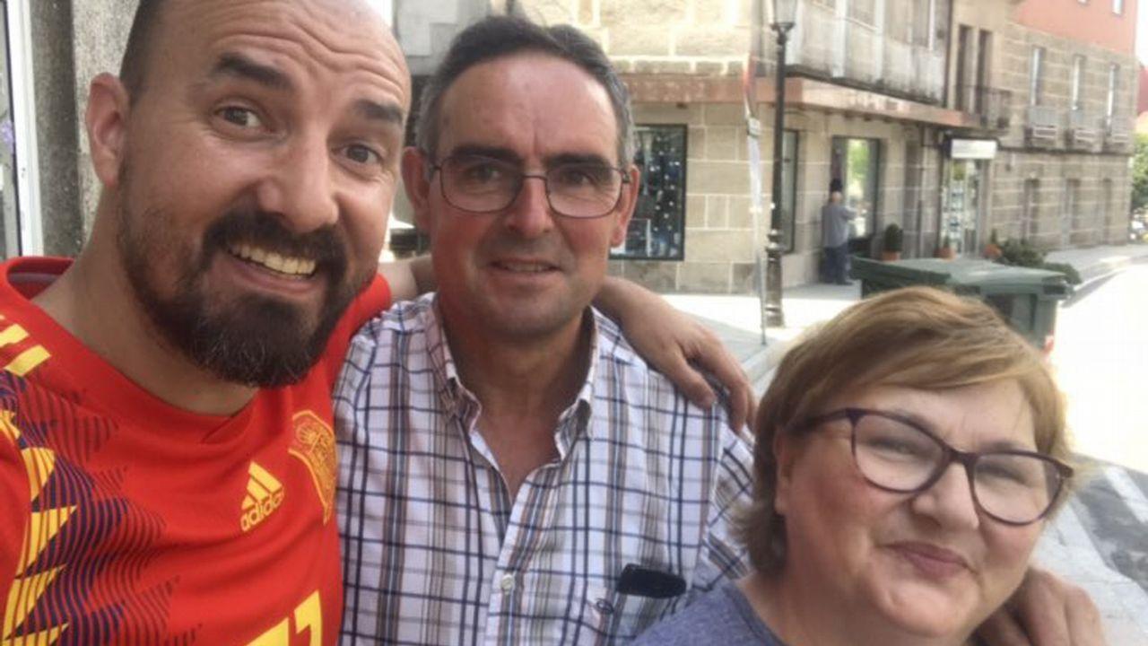 Andrés, con Marité Batán y su marido Luis