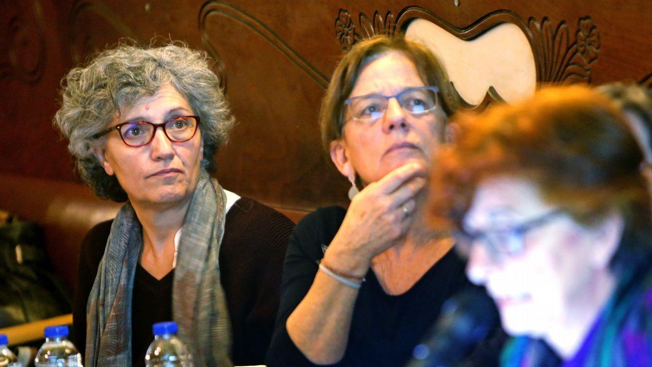 Contracomisión de sanidad para darle voz a las «vítimas» del Sergas.Pablo Nieves, Martiño Ramos y Raquel Bernárdez durante la rueda de prensa que ofrecieron el pasado martes para denunciar que la coordinadora tenía «secuestrado» el proceso de primarias