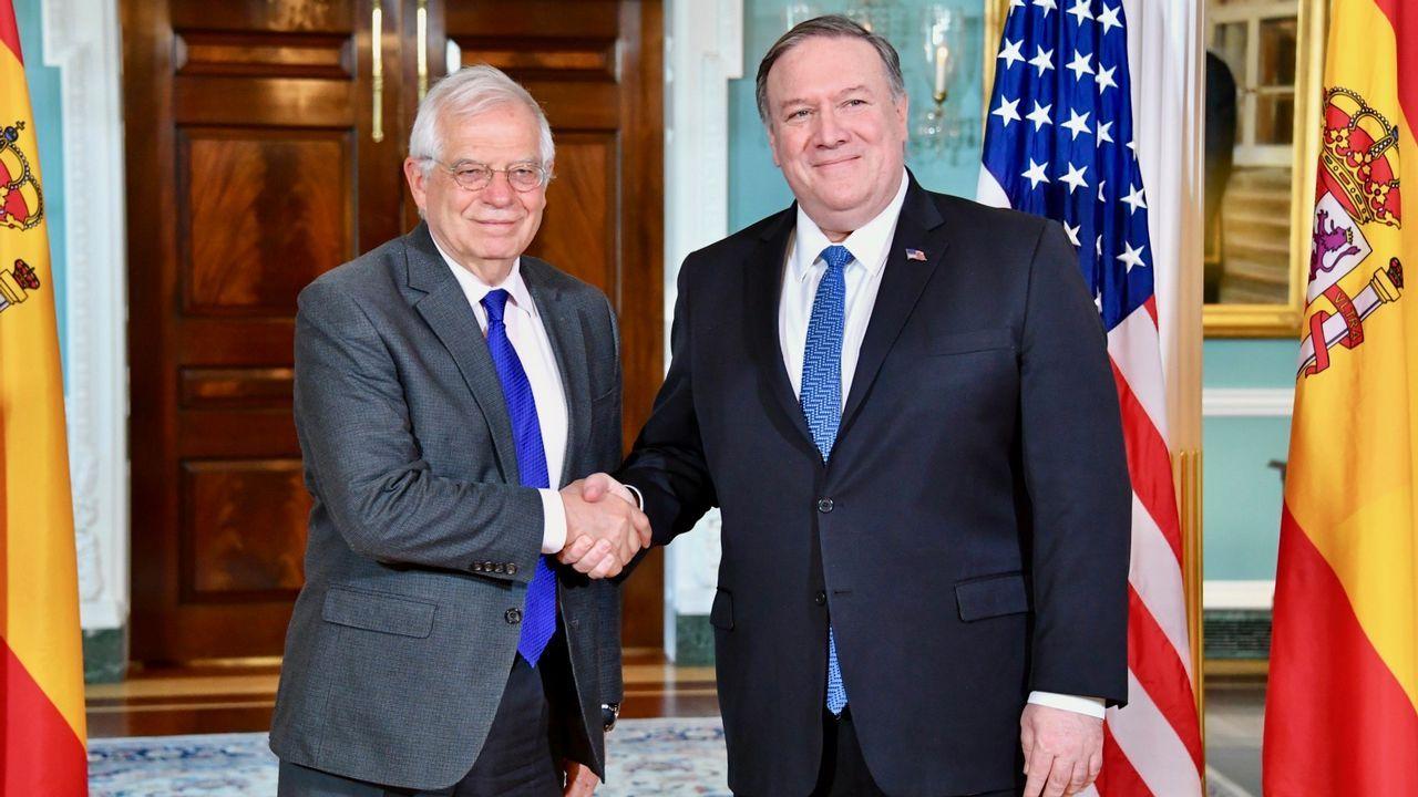 Borrella con el secretario de Estado de EE.UU., Mike Pompeo