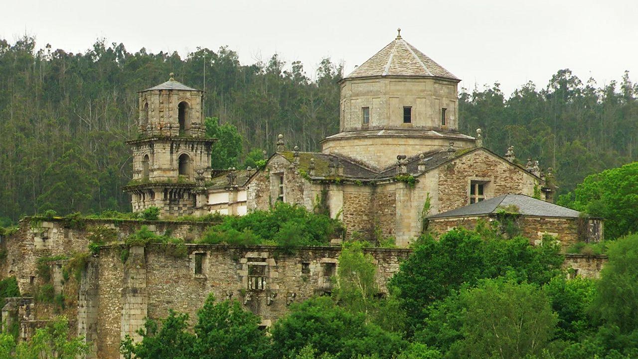 La belleza y la dureza del Camino reciben a los aventureros en Roncesvalles.Julio Louro nació en Ferrol, pero reside en Santiago
