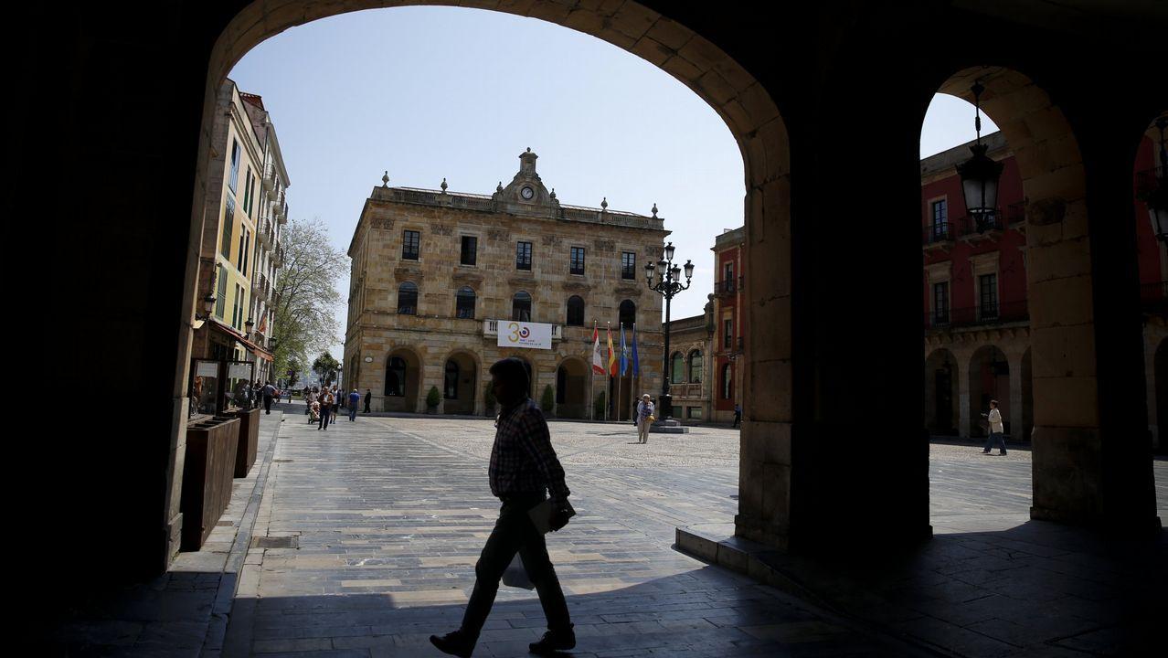 Xantar homenajeó a Pérez Canal.Guadalupe Casanova toma posesión de su escaño como senadora