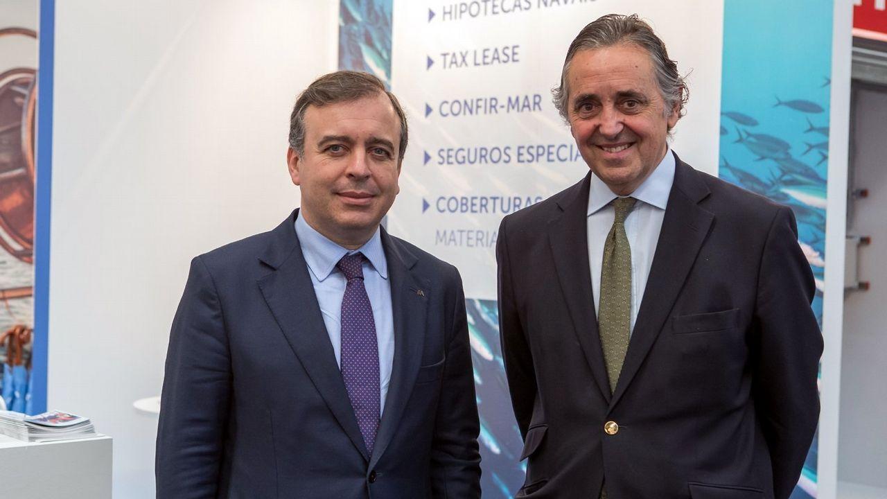 La ministra de Industria y Turismo, de paseo por Vigo.Francisco Botas, consejero delegado de Abanca, y Jacobo González- Robatto, presidente de Nueva Pescanova