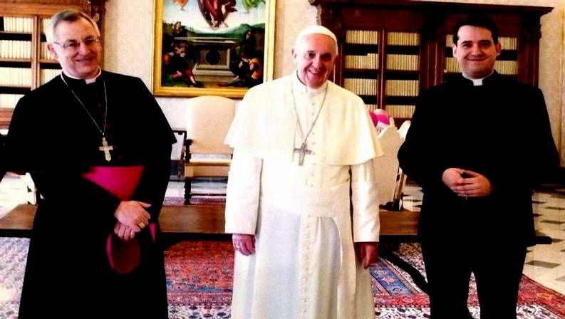 El obispo de Lugo, Alfonso Carrasco, con el papa Francisco y el rector del Seminario, David Varela