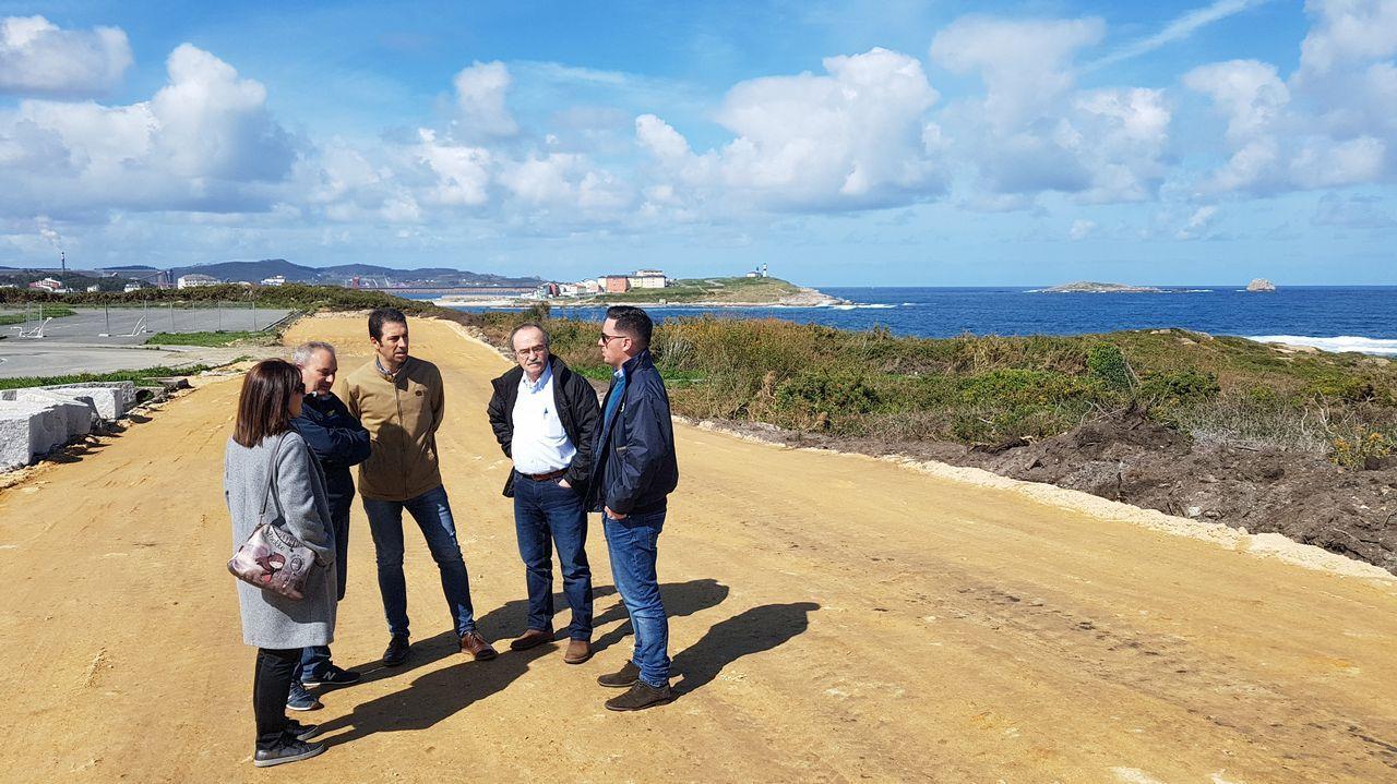 Así fue el paso del tráilerde 40 metros de longitud por A Coruña