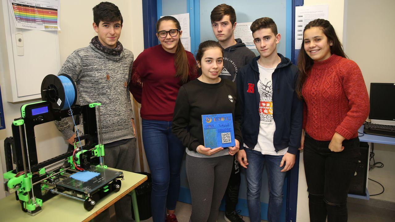 Alumnos del IES Faro das Lúas premiados por su búsqueda de Valle Inclán.