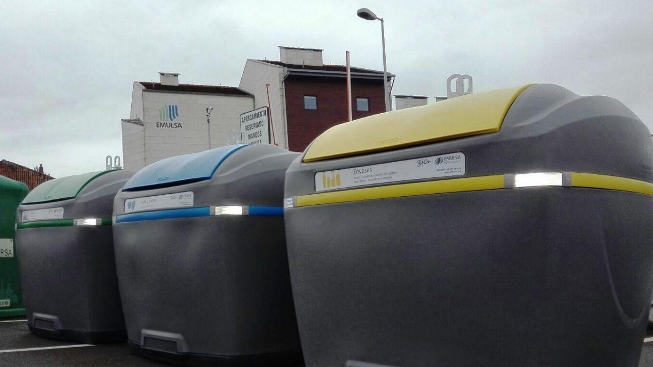 Los nuevos contenedores de reciclaje, con tapas de colores